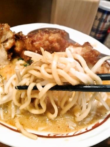 あんかけDXは中太麺