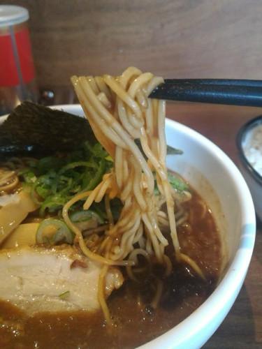 麺は細麺ストレート